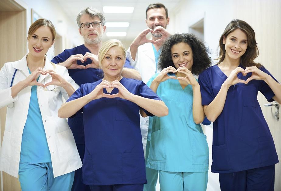 egészségügyi dolgozók