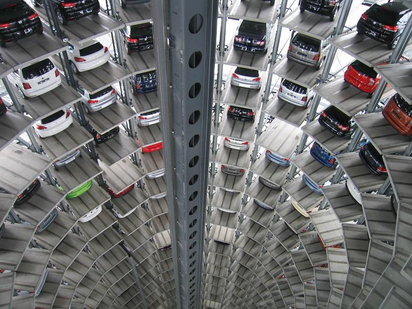 autók, parkolóház