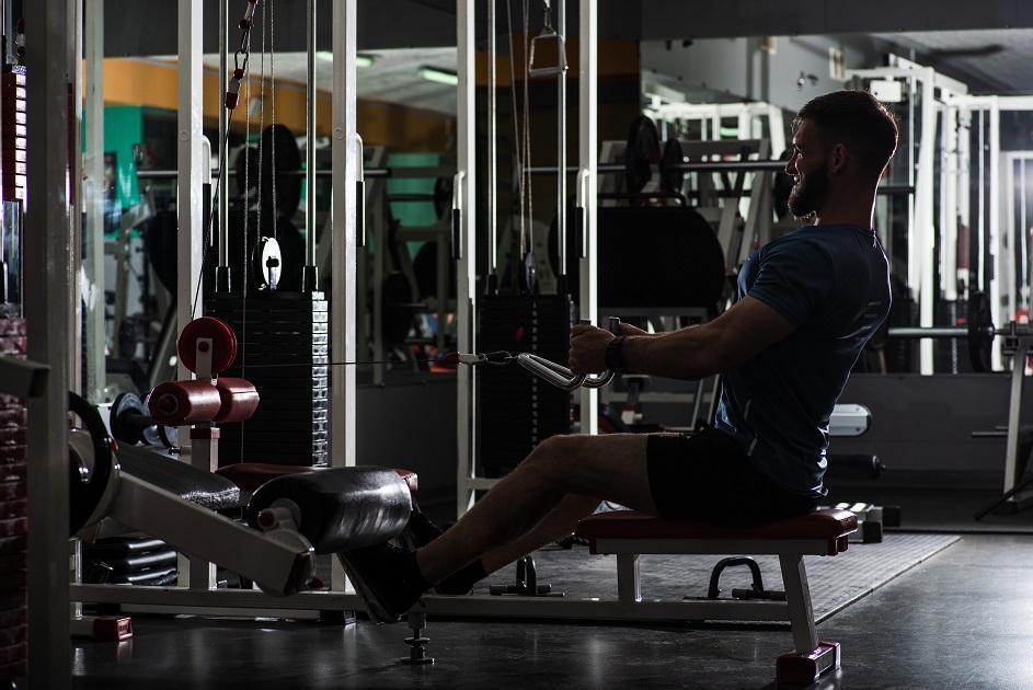 fitneszgép, erősít