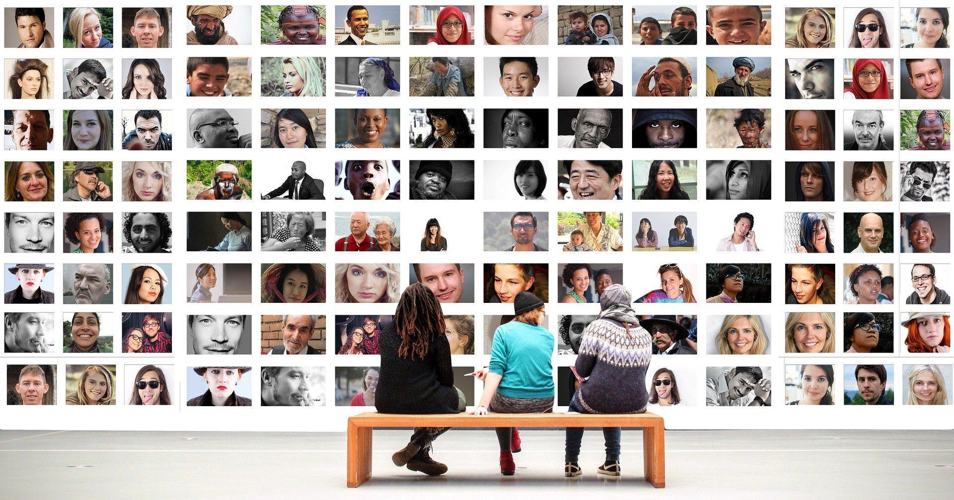 társadalom, egyeztetés, kommunikáció